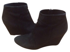 Via Spiga Suede Wedge Zip Closure Comfortable Black Boots