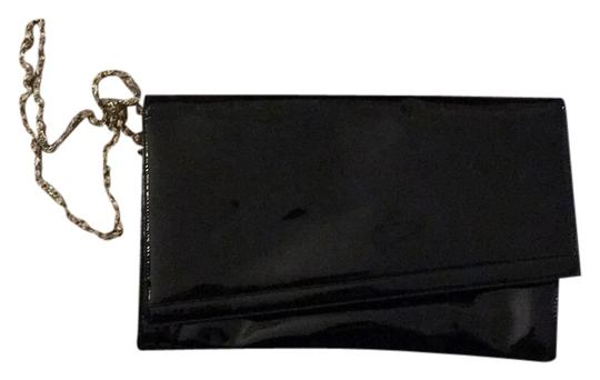Preload https://img-static.tradesy.com/item/10414453/black-patent-leather-exterior-clutch-0-1-540-540.jpg