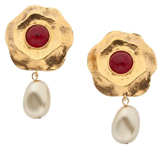 Preload https://img-static.tradesy.com/item/10415035/chanel-goldredpearl-gripoix-and-glass-earrings-0-1-540-540.jpg