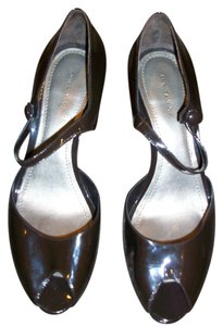 Ann Taylor BROWN PATENT Pumps