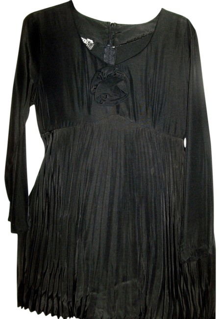 Preload https://item3.tradesy.com/images/units-black-dressy-rayon-by-pleated-top-and-long-sleeves-pant-suit-size-6-s-10416202-0-3.jpg?width=400&height=650