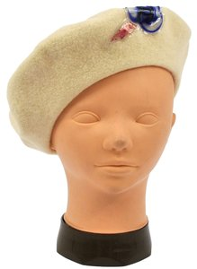 Chanel 100% AUTHENTIC CHANEL CC LOGOS CAMELIA HAT BERET CREAM IVORY WOOL VINTAGE R07966