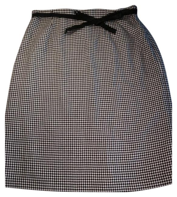 Preload https://img-static.tradesy.com/item/10425205/ann-taylor-black-cream-new-with-tags-lined-wool-and-pattern-knee-length-skirt-size-14-l-34-0-1-650-650.jpg