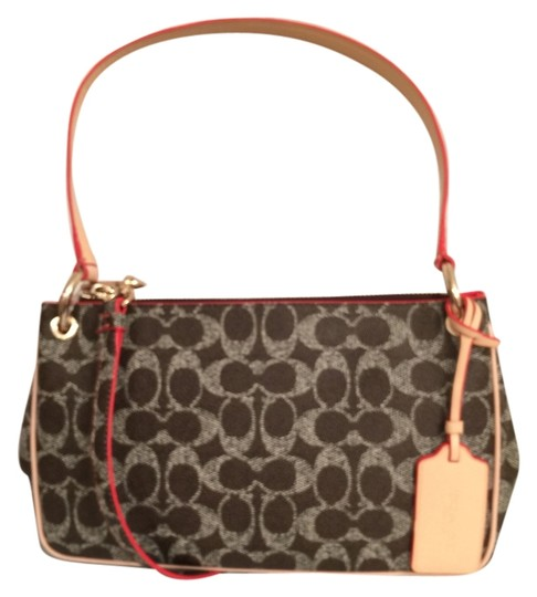 Preload https://item4.tradesy.com/images/coach-charley-new-signaturelogo-brown-white-canvas-cross-body-bag-10428883-0-3.jpg?width=440&height=440
