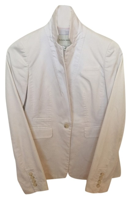 Preload https://img-static.tradesy.com/item/10430128/banana-republic-white-sateen-blazer-size-0-xs-0-1-650-650.jpg