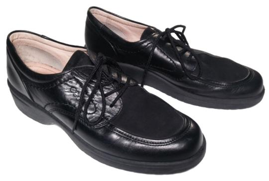Preload https://img-static.tradesy.com/item/10430362/ecco-black-choice-soft-leather-lace-ups-with-shock-point-technology-flats-size-us-75-regular-m-b-0-1-540-540.jpg