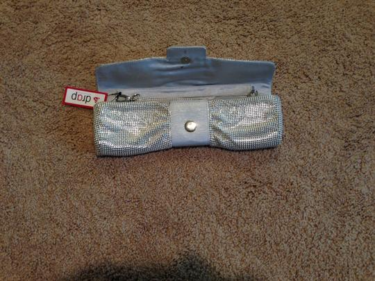 Drap Brass Polyester Magnetic Snap Enclosure Reflective Mesh Silver/Grey Clutch