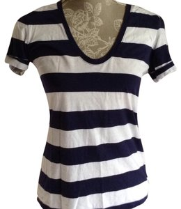 Gap T Shirt Navy & white
