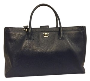 Chanel Cerf Cc Classic Tote in Navy Blue