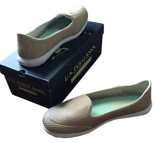 Preload https://item5.tradesy.com/images/us-polo-assn-beige-comfort-trendy-comfortable-flats-size-us-85-10435279-0-1.jpg?width=440&height=440