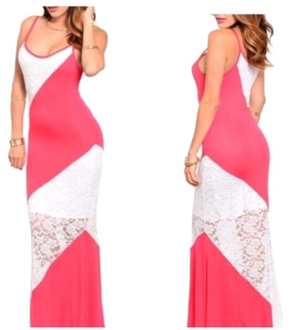 Preload https://img-static.tradesy.com/item/10435807/peach-and-white-lace-long-casual-maxi-dress-size-4-s-0-1-650-650.jpg