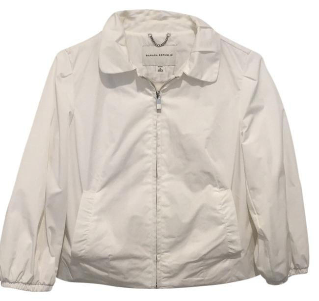 Preload https://img-static.tradesy.com/item/10435942/banana-republic-white-spring-jacket-size-4-s-0-1-650-650.jpg