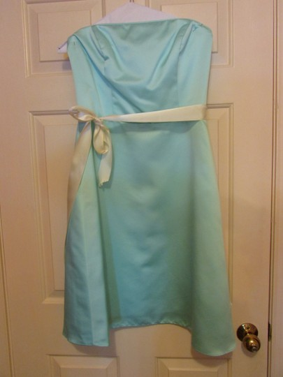 Alfred Angelo Light Aqua Traditional Bridesmaid/Mob Dress Size 10 (M)