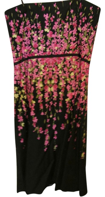 Preload https://item4.tradesy.com/images/ann-taylor-loft-black-with-pink-floral-knee-length-cocktail-dress-size-8-m-10436833-0-1.jpg?width=400&height=650