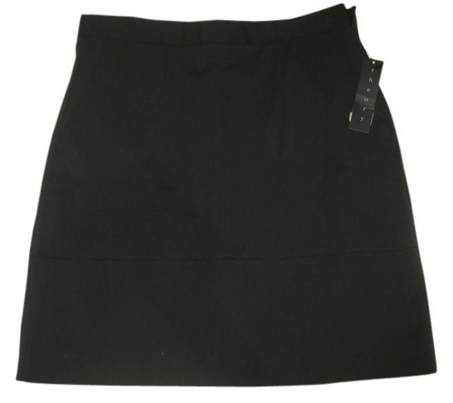 Preload https://item3.tradesy.com/images/theory-brown-miniskirt-size-2-xs-26-10437277-0-1.jpg?width=400&height=650