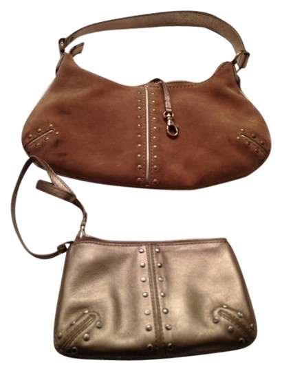 Preload https://img-static.tradesy.com/item/1043785/michael-kors-gold-light-brown-suede-and-leather-purse-and-wristlet-hobo-bag-0-0-540-540.jpg