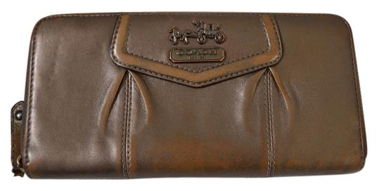 Preload https://item5.tradesy.com/images/coach-pewter-pintucked-wallet-1043834-0-0.jpg?width=440&height=440