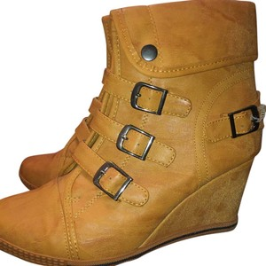 Bucco Dark Mustard Yellowish Brown Wedges