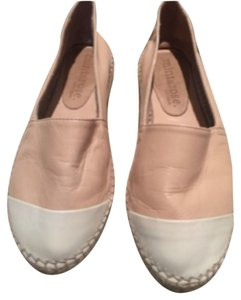 Mint & Rose Beige and ivory leather Flats