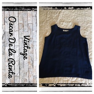 Oscar de la Renta Designer Vintage Navy Classic Staple Fashion Forward Top Blue
