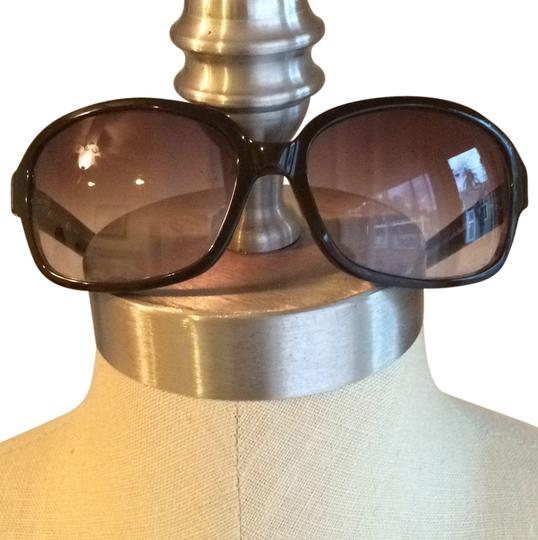 Preload https://item5.tradesy.com/images/cole-haan-brown-oversized-frame-sunglasses-10440679-0-1.jpg?width=440&height=440
