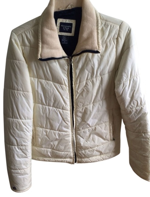 Preload https://img-static.tradesy.com/item/1044194/abercrombie-and-fitch-coat-size-4-s-0-0-650-650.jpg