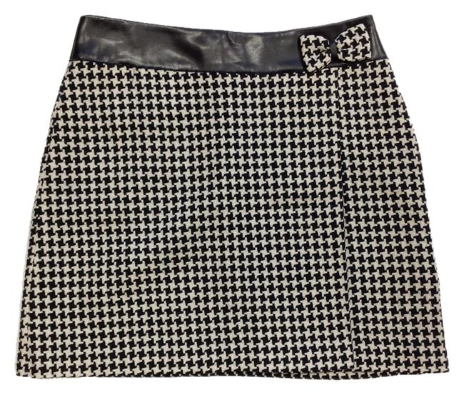 Item - Black & White Blumarine Hounds Tooth with Bow Skirt Size 4 (S, 27)