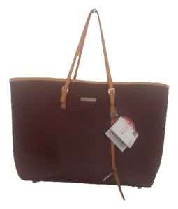 Adrienne Vittadini Tan / Camel Travel Bag