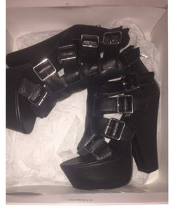 Steve Madden Black silver buckle Boots