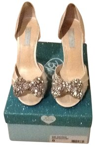 Betsey Johnson Wedding Silver white Pumps