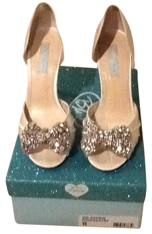 Betsey Johnson White Blue By Gown Pumps Size US 8 Regular (M, B ...