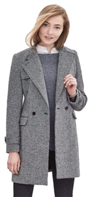 Preload https://img-static.tradesy.com/item/10445689/banana-republic-black-and-white-coat-size-petite-4-s-0-1-650-650.jpg