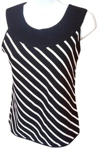 Dana Buchman T Shirt Black and White