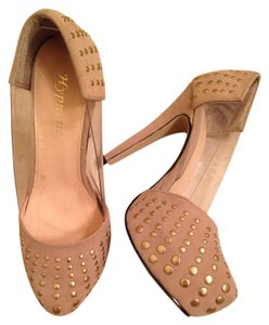 Hypnotic Beige Pumps