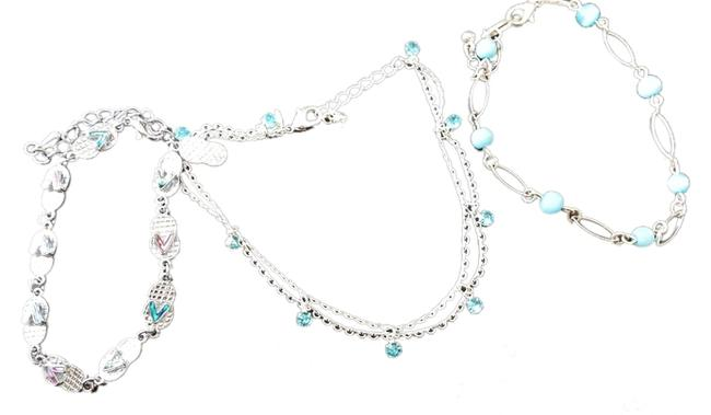 Item - Silver Toned Anklets.