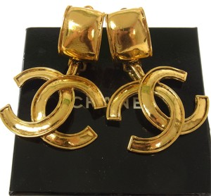 Chanel Authentic CHANEL Vintage CC Logos Hoop Earrings Gold-Tone Clip-On B26024a