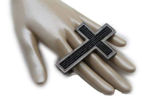 Preload https://item5.tradesy.com/images/women-knuckle-ring-fashion-jewelry-black-metal-big-wide-cross-middle-hand-finger-10458049-0-0.jpg?width=440&height=440
