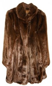 Dennis Basso Rn 98393 100% Modacrylic Polyester Lining. Worn Once; No Visible Wear. Clean By Fur Method. Coat