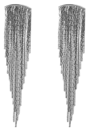 Preload https://img-static.tradesy.com/item/10464331/silver-metal-fringe-earrings-0-1-540-540.jpg
