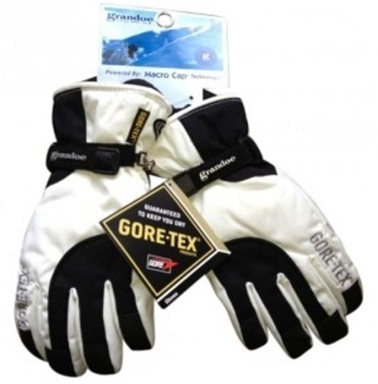 Preload https://img-static.tradesy.com/item/104645/grandoe-black-and-white-women-s-med-ski-gloves-scarfwrap-0-0-540-540.jpg