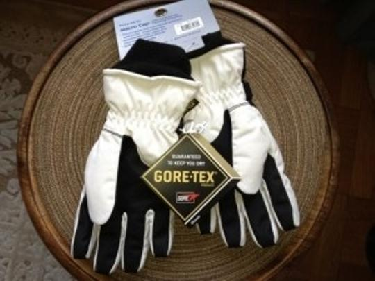 Grandoe Brand New Women's (Med) Ski Gloves