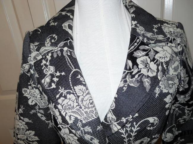 White House | Black Market Black and cream Blazer