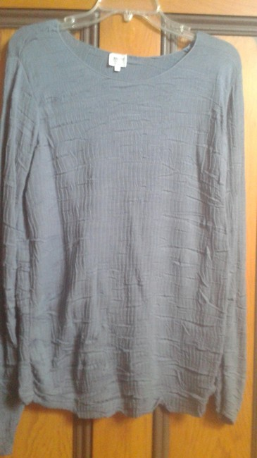 Preload https://item3.tradesy.com/images/giorgio-armani-blue-crinkled-top-activewear-size-10-m-10466002-0-1.jpg?width=400&height=650
