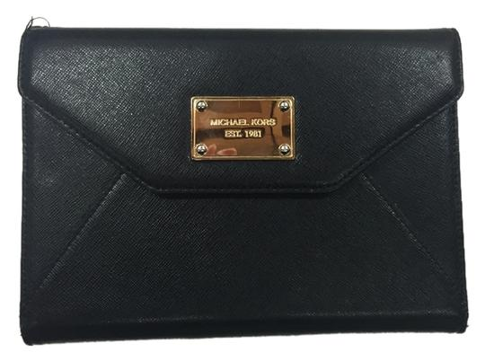 Preload https://img-static.tradesy.com/item/10467772/michael-kors-black-saffiano-8413b9-tech-accessory-0-1-540-540.jpg