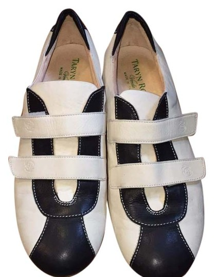 Preload https://img-static.tradesy.com/item/10469134/taryn-rose-amazing-leather-made-in-italy-75-in-great-condition-1228-sneakers-size-us-75-regular-m-b-0-1-540-540.jpg