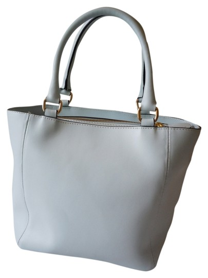 Preload https://item4.tradesy.com/images/italian-satchel-blue-leather-tote-10469758-0-1.jpg?width=440&height=440