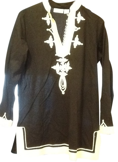 Preload https://item4.tradesy.com/images/soft-surroundings-black-and-white-108245-tunic-size-6-s-10471828-0-1.jpg?width=400&height=650