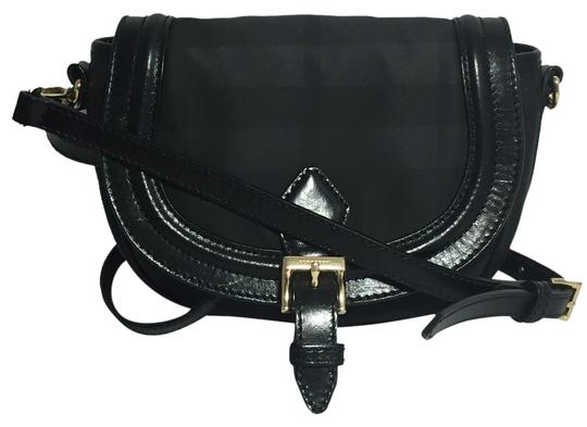 Preload https://item2.tradesy.com/images/burberry-rosslyn-saddle-black-nylon-and-leather-cross-body-bag-10472626-0-1.jpg?width=440&height=440