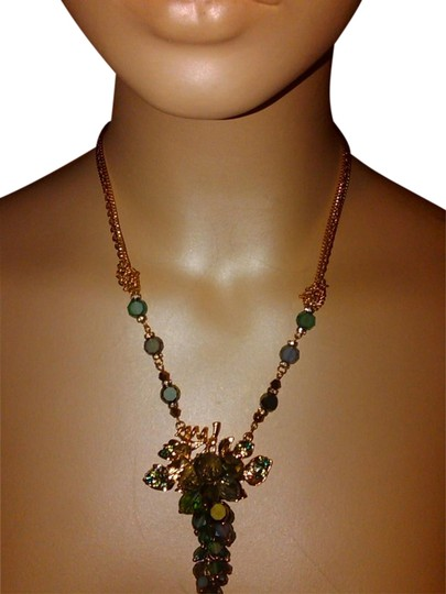 Preload https://img-static.tradesy.com/item/1047481/green-gold-cluster-drop-glass-pendant-tone-chain-necklace-0-0-540-540.jpg