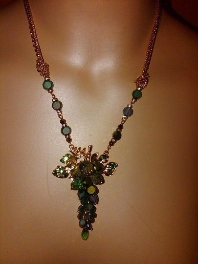 C.a.k.e, Ali Khan Green Cluster drop Glass Pendant Gold Tone Chain Necklace